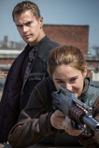 Four (Theo James) and Tris (Shailene Woodley)